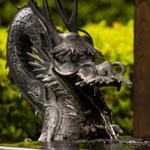 Buddhist Temple Dragon 12-23-15
